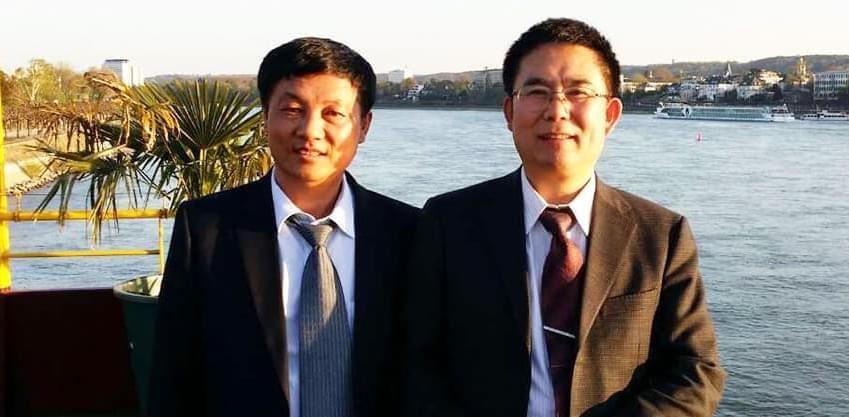 天元新材董事长吕德斌与建筑材料工业技术情报研究所产业联盟代表合影